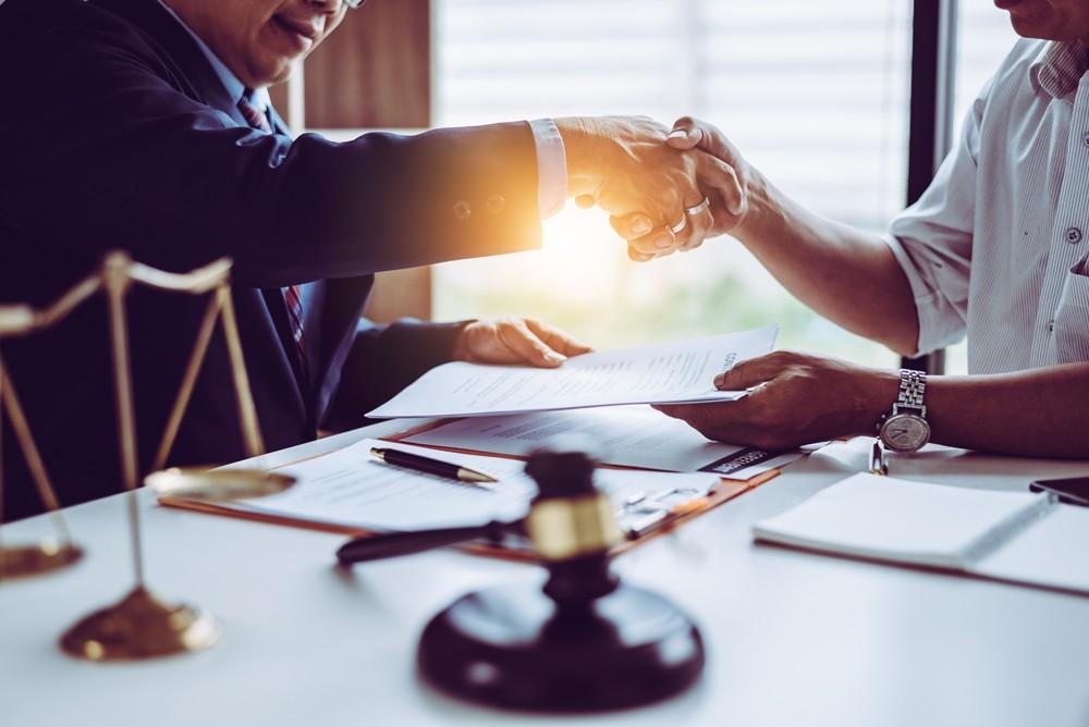 ¿Cómo funcionan las tarifas legales?